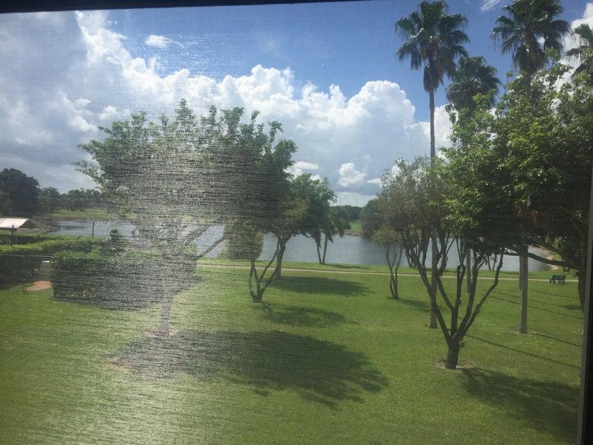 合作社 / 公寓 为 出租 在 6936 Huntington Lane 6936 Huntington Lane 德尔雷比奇海滩, 佛罗里达州 33446 美国