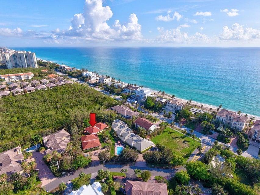 Villa für Verkauf beim 1119 Highland Beach Drive 1119 Highland Beach Drive Highland Beach, Florida 33487 Vereinigte Staaten