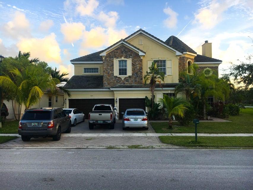 9292 Pineville Drive  Lake Worth, FL 33467