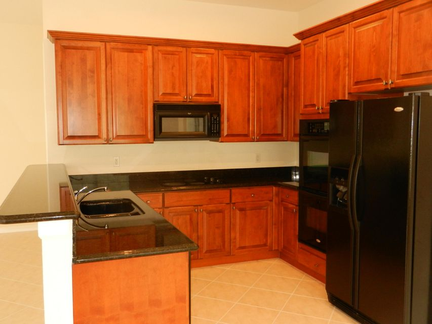 Additional photo for property listing at 105 Via Catalunha 105 Via Catalunha Jupiter, Florida 33458 United States
