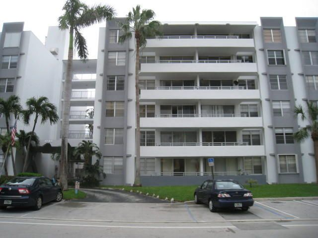 Co-op / Condo for Rent at 1080 94th Street 1080 94th Street Bay Harbor Islands, Florida 33154 United States