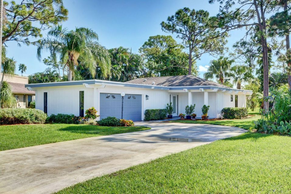 6411 Eastpointe Pines Street , Palm Beach Gardens FL 33418 is listed for sale as MLS Listing RX-10372868 51 photos