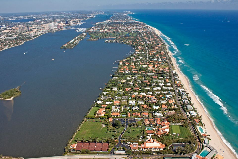 3 Via Los Incas  Palm Beach FL 33480