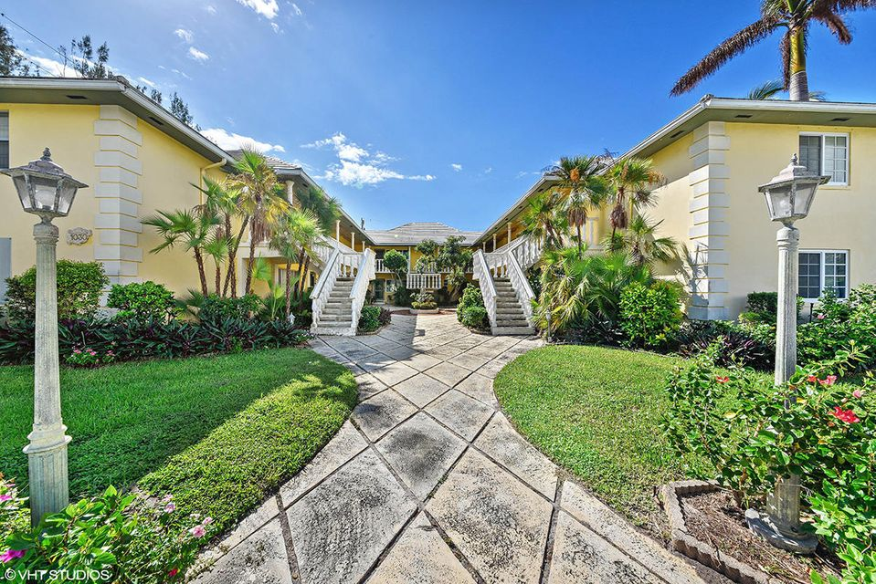 Home for sale in Admiral Apts Delray Beach Florida