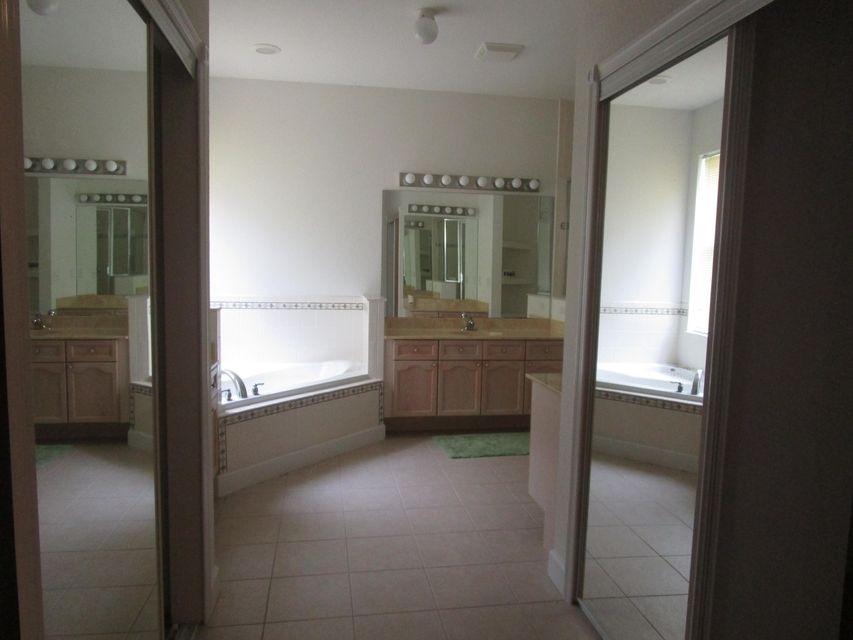 Additional photo for property listing at 16528 89th Place N 16528 89th Place N Loxahatchee, Florida 33470 United States
