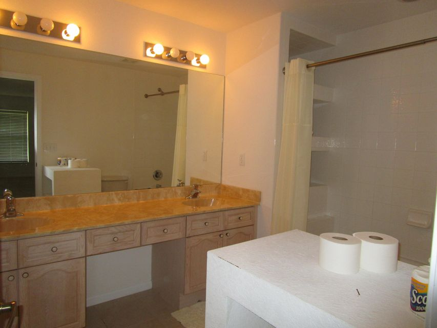 Additional photo for property listing at 16528 89th Place N 16528 89th Place N Loxahatchee, Florida 33470 États-Unis