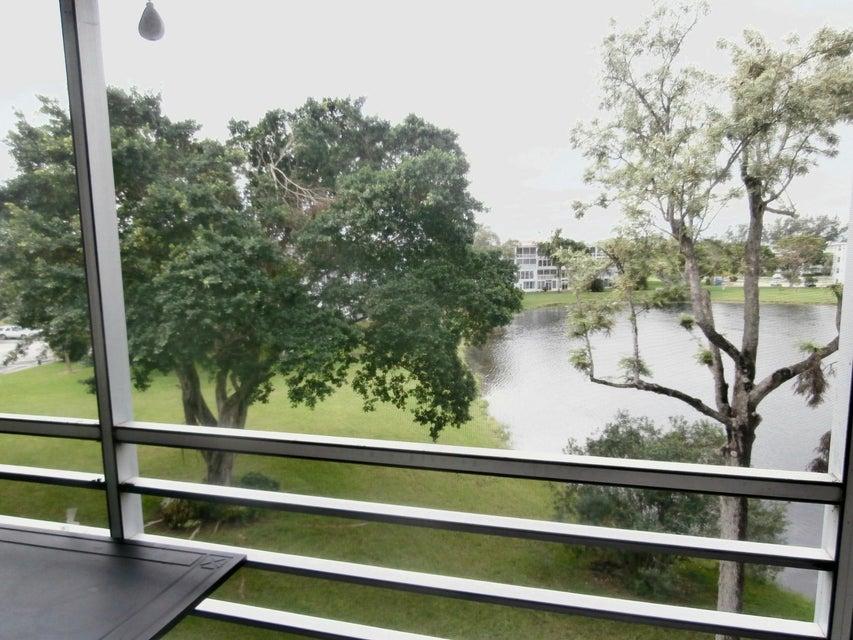 Co-op / Condominio por un Alquiler en 4054 Cambridge C 4054 Cambridge C Deerfield Beach, Florida 33442 Estados Unidos