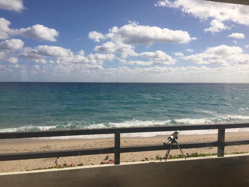 Additional photo for property listing at 3560 S Ocean Boulevard 3560 S Ocean Boulevard South Palm Beach, Florida 33480 États-Unis