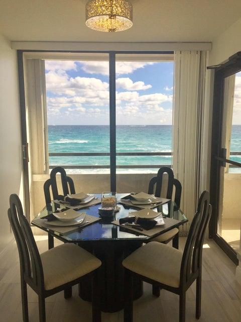 Additional photo for property listing at 3560 S Ocean Boulevard 3560 S Ocean Boulevard South Palm Beach, Florida 33480 Estados Unidos