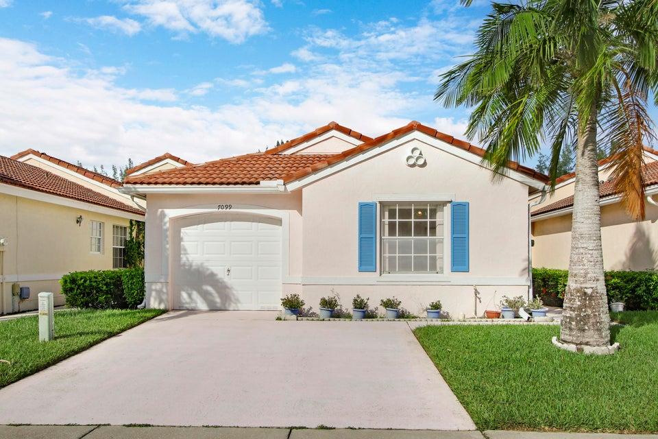 别墅 为 销售 在 7099 Burgess Drive 7099 Burgess Drive Lake Worth, 佛罗里达州 33467 美国