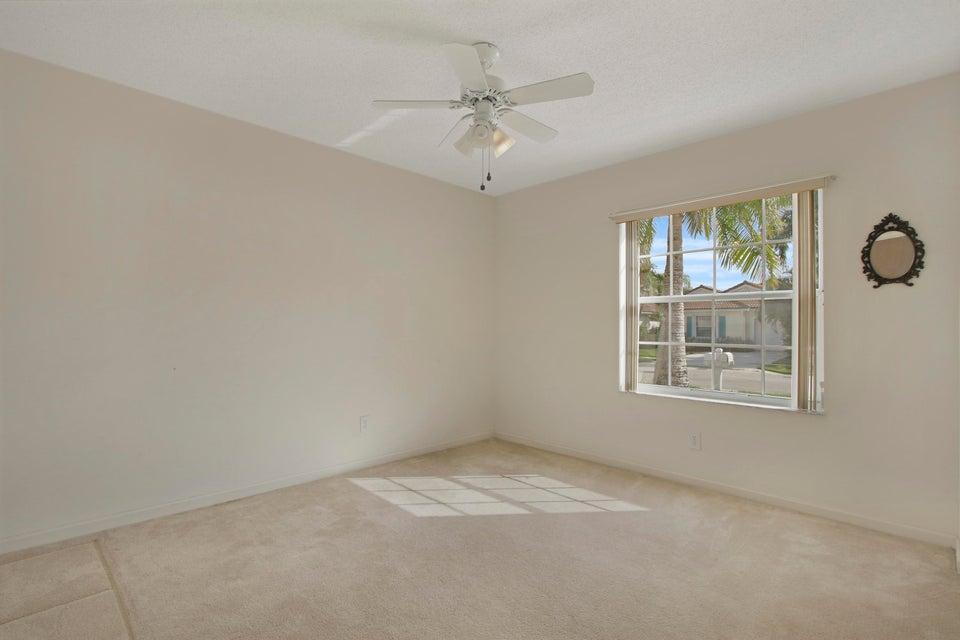 Additional photo for property listing at 7099 Burgess Drive 7099 Burgess Drive Lake Worth, 佛罗里达州 33467 美国