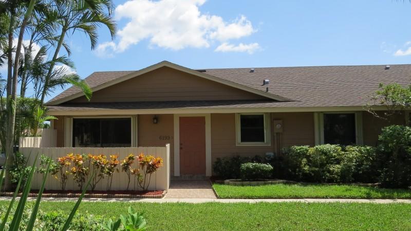 Residência urbana para Venda às 6193 Seven Springs Boulevard 6193 Seven Springs Boulevard Greenacres, Florida 33463 Estados Unidos