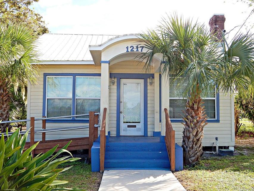 Escritórios para Venda às 1217 Delaware Avenue 1217 Delaware Avenue Fort Pierce, Florida 34950 Estados Unidos