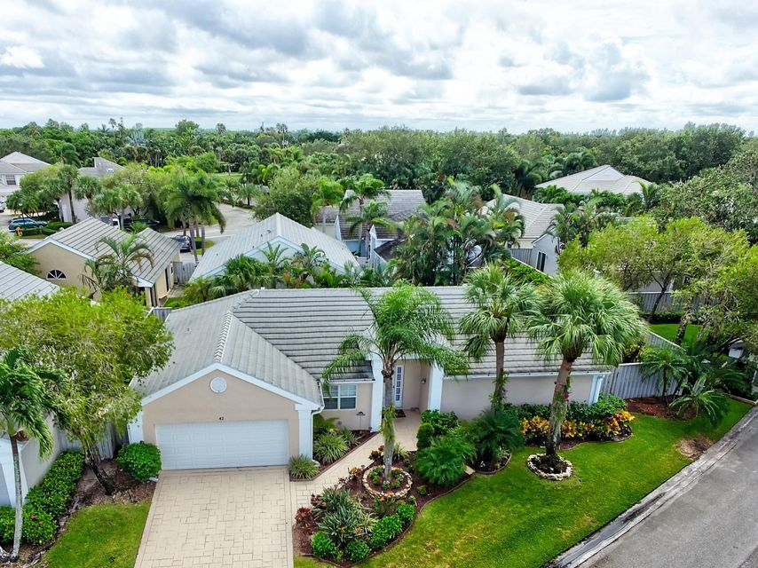 42 Admirals Court , Palm Beach Gardens FL 33418 is listed for sale as MLS Listing RX-10374928 35 photos