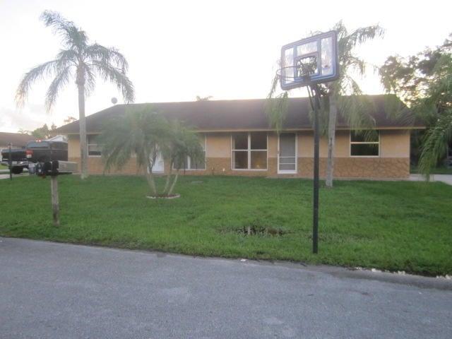 Villa for Sale at 4528 SE Nimrod Lane Stuart, Florida 34997 United States