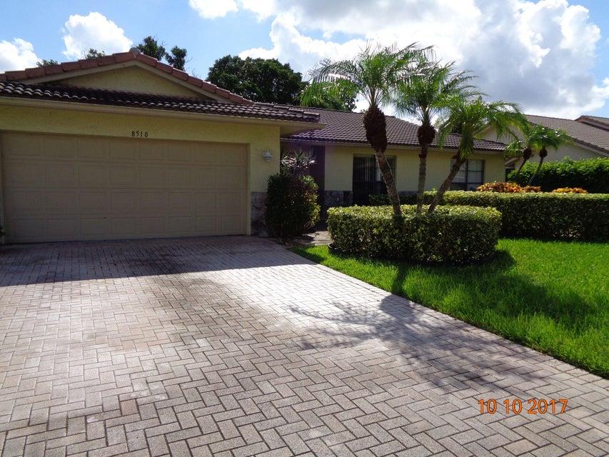 独户住宅 为 销售 在 8510 NW 79th Street 8510 NW 79th Street 塔马拉克, 佛罗里达州 33321 美国