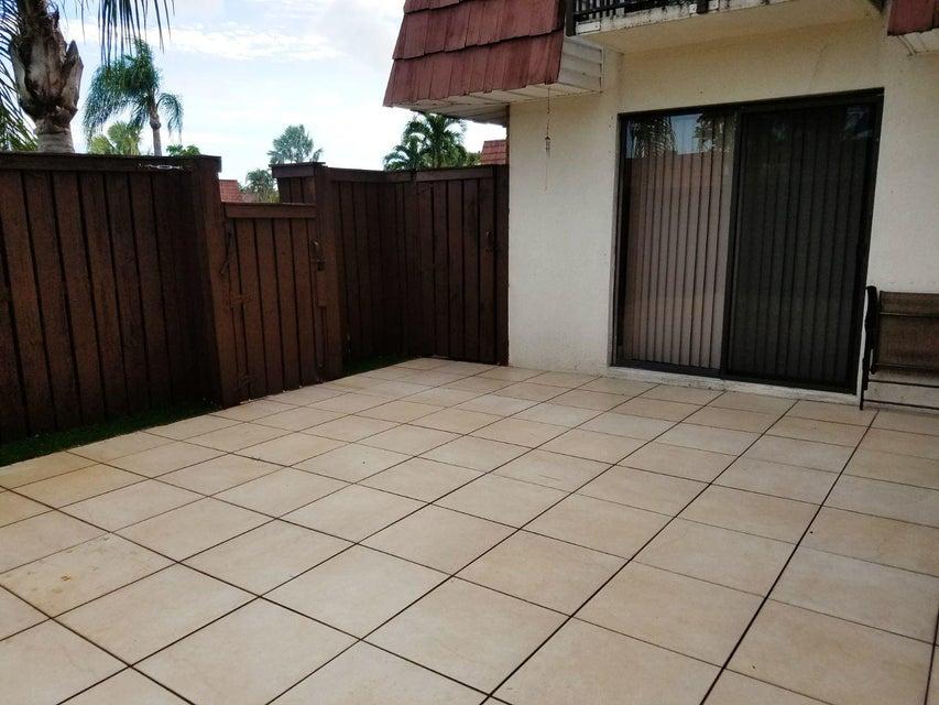 Residência urbana para Locação às 2526 SW 15 Street 2526 SW 15 Street Deerfield Beach, Florida 33442 Estados Unidos