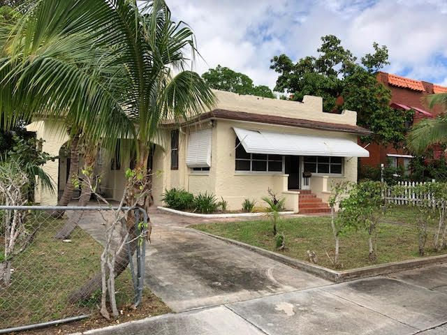 Triplex for Sale at 627 30th Street 627 30th Street West Palm Beach, Florida 33407 United States