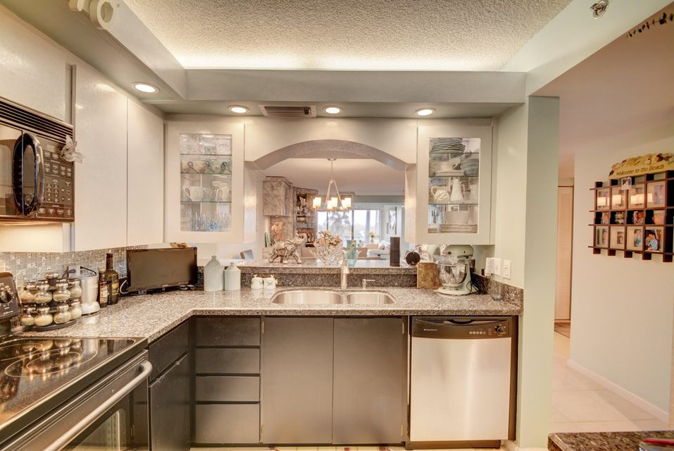 Additional photo for property listing at 401 S Seas Drive # 104 401 S Seas Drive # 104 Jupiter, Florida 33477 United States