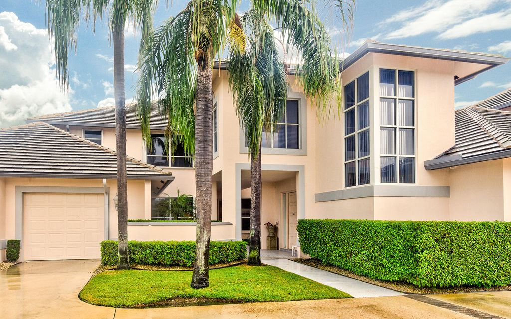 Condominio por un Venta en 192 Orange Tree Drive 192 Orange Tree Drive Atlantis, Florida 33462 Estados Unidos