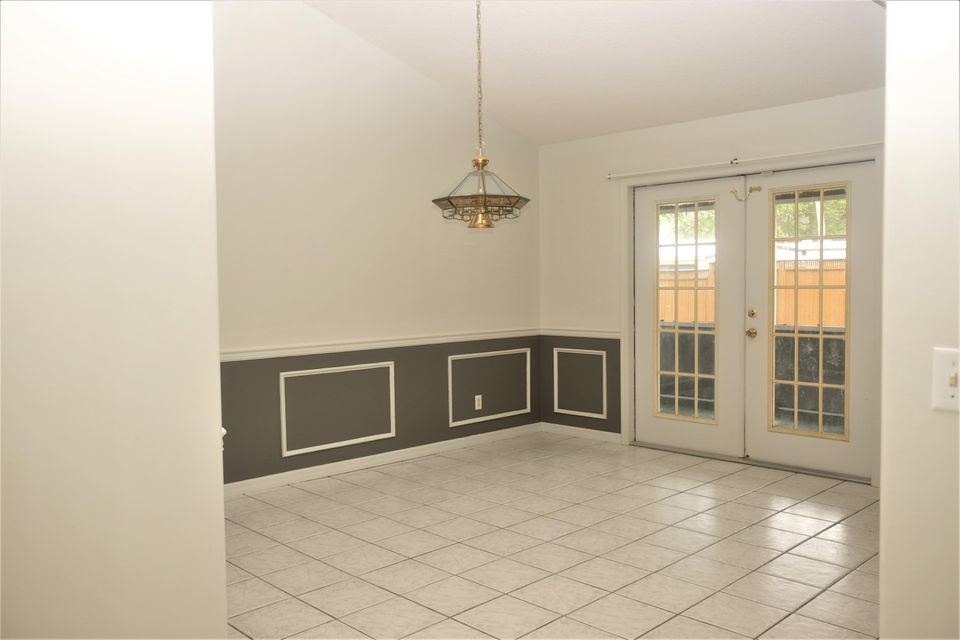 Additional photo for property listing at 305 10th Street SW 305 10th Street SW Vero Beach, Florida 32962 Estados Unidos