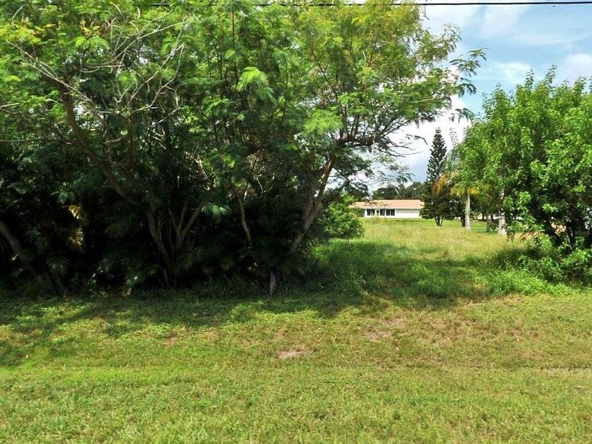 土地,用地 为 销售 在 1708 SE Berkshire Boulevard 1708 SE Berkshire Boulevard 圣露西港, 佛罗里达州 34953 美国