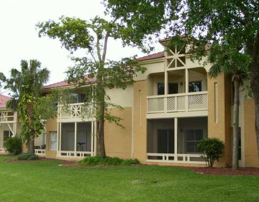 Co-op / Condominio por un Alquiler en 4863 Via Palm Lakes 4863 Via Palm Lakes West Palm Beach, Florida 33417 Estados Unidos
