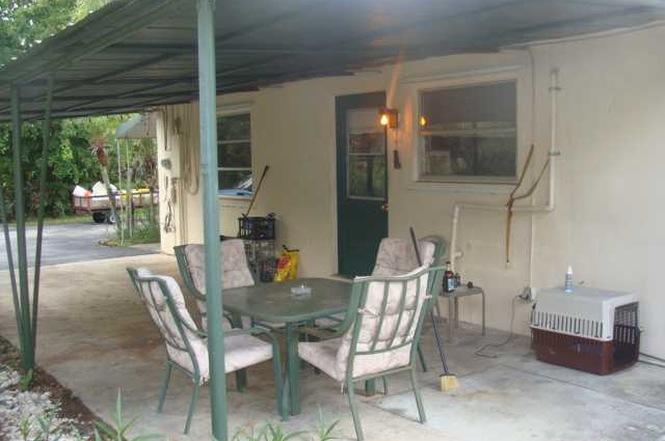 Rentals for Rent at 214 Westwood Circle East 214 Westwood Circle East Wellington, Florida 33411 United States