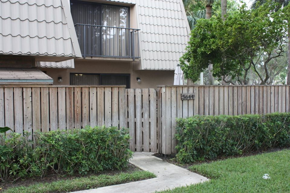 Townhouse for Sale at 5644 56th Way 5644 56th Way West Palm Beach, Florida 33409 United States