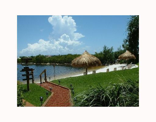 Additional photo for property listing at 800 Scotia Drive 800 Scotia Drive Hypoluxo, Florida 33462 Estados Unidos