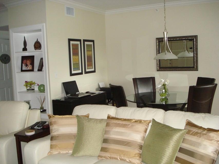 6394 Emerald Dunes Drive 3-306 West Palm Beach, FL 33411 photo 10