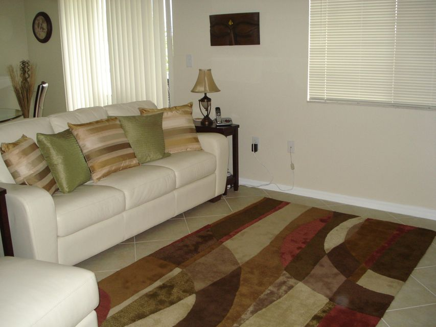 6394 Emerald Dunes Drive 3-306 West Palm Beach, FL 33411 photo 7