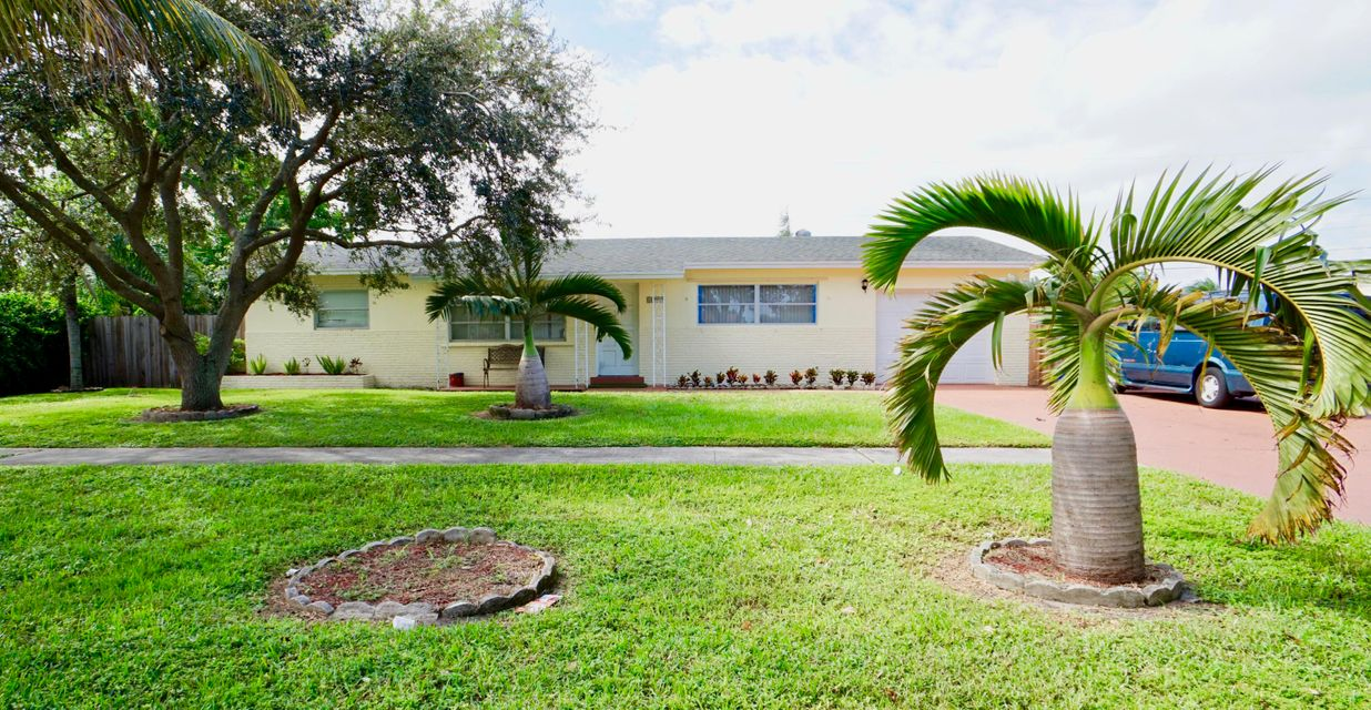 1599 Linda Lou Drive  West Palm Beach, FL 33415