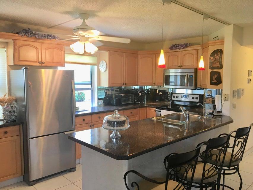 Konsum / Eigentumswohnung für Verkauf beim 597 Normandy M 597 Normandy M Delray Beach, Florida 33484 Vereinigte Staaten