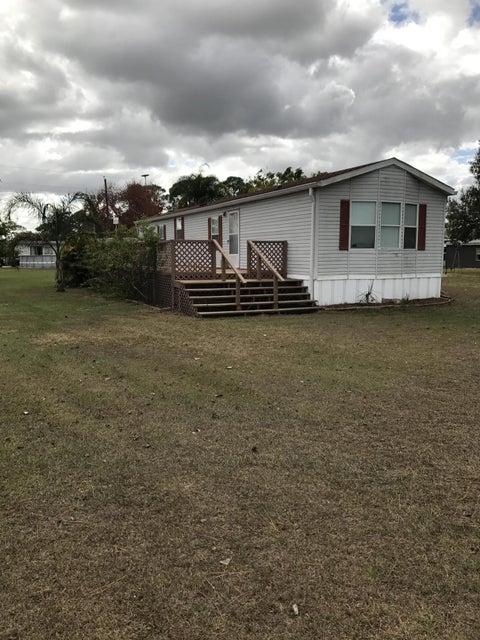 Mobile / Hergestellt für Verkauf beim 17414 Brynwood Lane 17414 Brynwood Lane Okeechobee, Florida 34974 Vereinigte Staaten