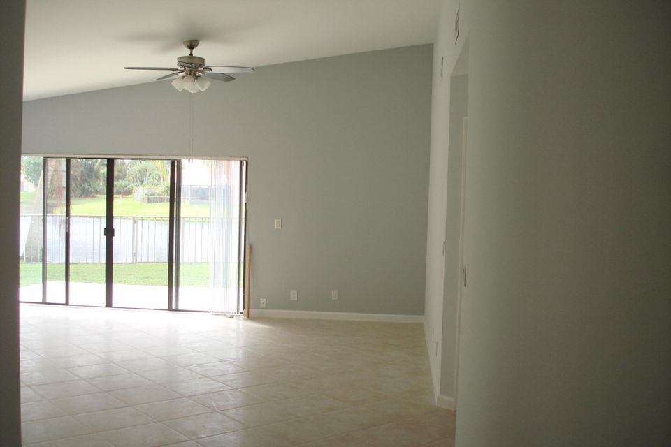 13274  St Tropez Circle , Palm Beach Gardens FL 33410 is listed for sale as MLS Listing RX-10351080 photo #7