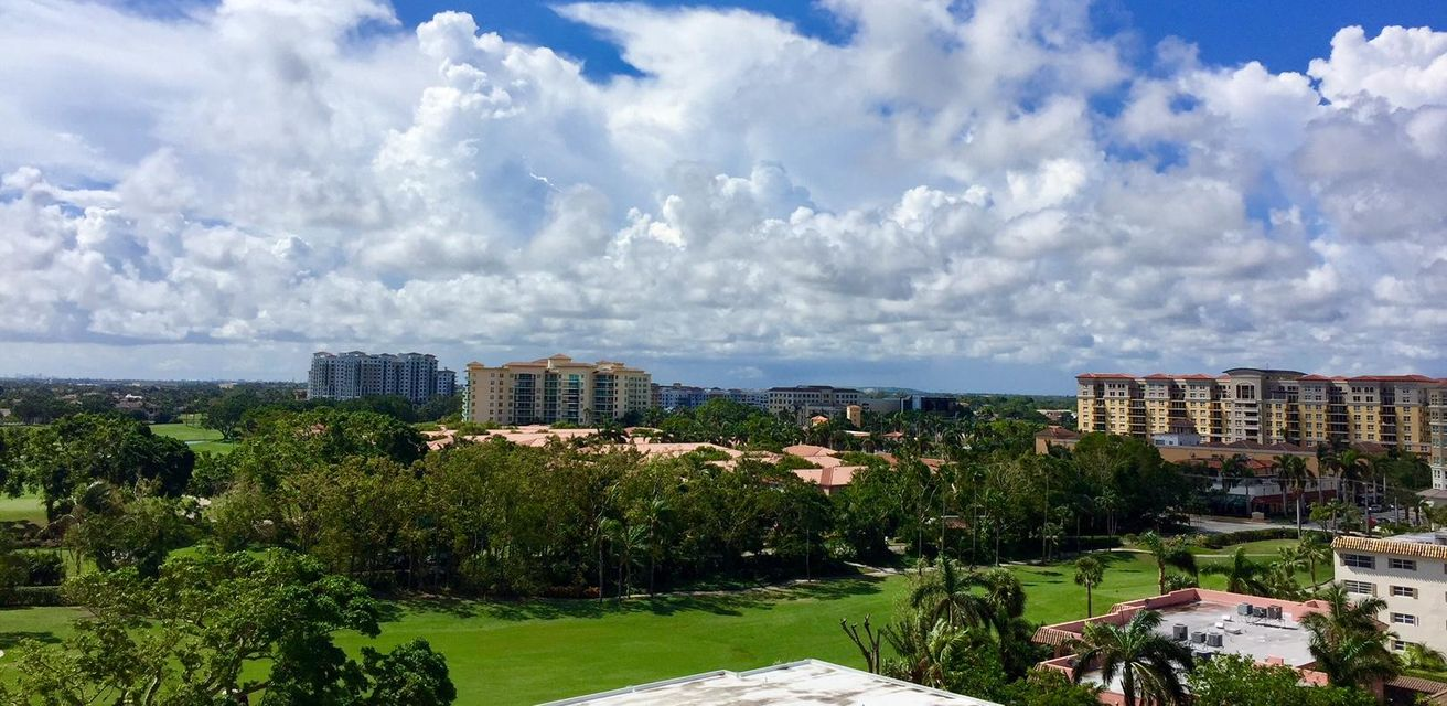 Additional photo for property listing at 327 E Royal Palm Road 327 E Royal Palm Road Boca Raton, Florida 33432 Estados Unidos