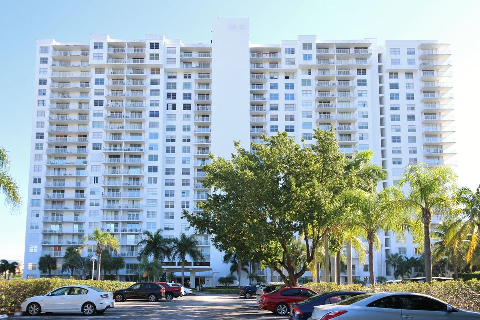 Condominium for Sale at 2801 NE 183rd Street # 801W 2801 NE 183rd Street # 801W Aventura, Florida 33160 United States