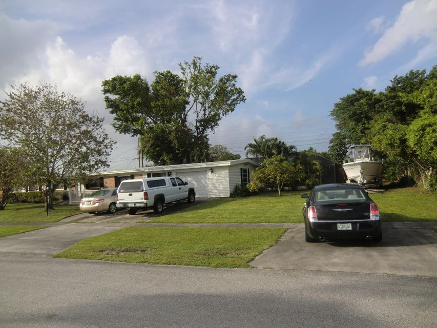 3773 Catalina Road , Palm Beach Gardens FL 33410 is listed for sale as MLS Listing RX-10375579 29 photos
