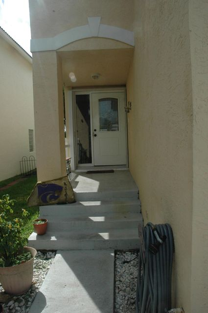 6796 Big Pine Key Street Lake Worth, FL 33467 photo 3