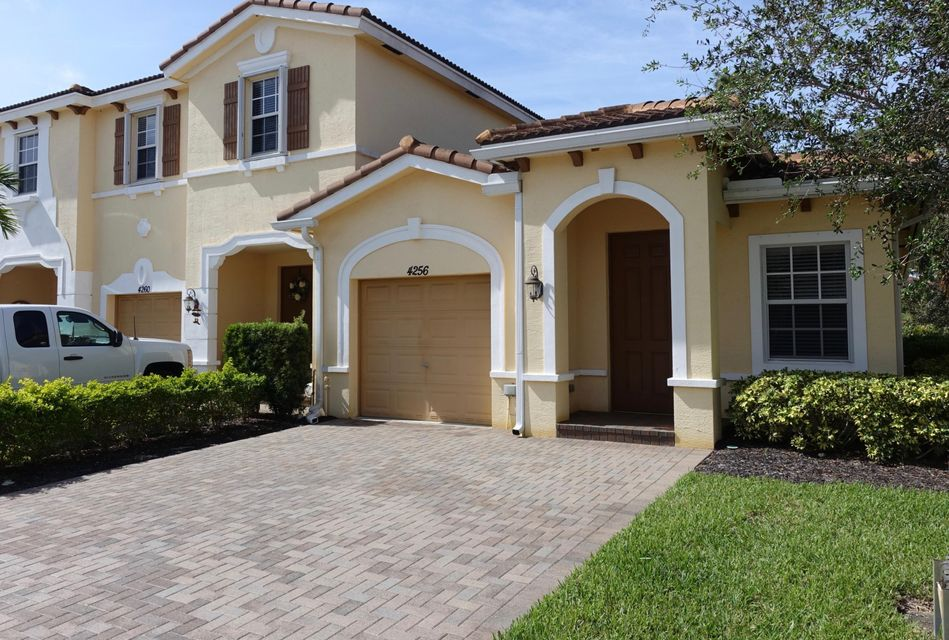 Villa for Sale at 4256 SW Pine Cove Court 4256 SW Pine Cove Court Stuart, Florida 34997 United States
