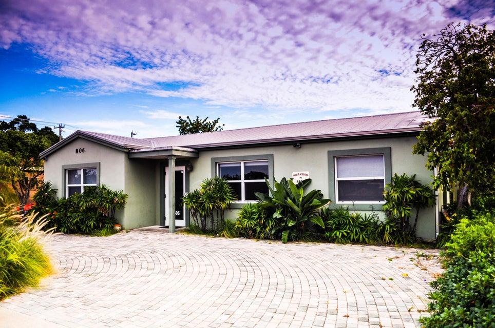 Commercial / Industriel pour l Vente à 806 W Lantana Road 806 W Lantana Road Lantana, Florida 33462 États-Unis