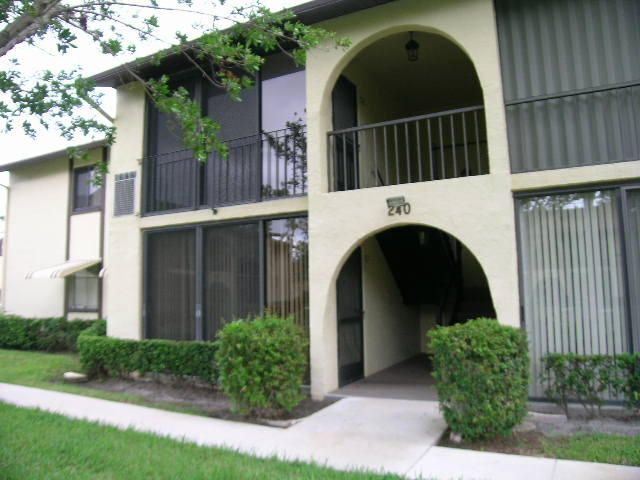 Co-op / Condo for Rent at 240 Pine Hov Circle 240 Pine Hov Circle Greenacres, Florida 33463 United States