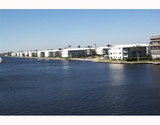 STERLING VILLAGE home 600 W Horizons Boynton Beach FL 33435