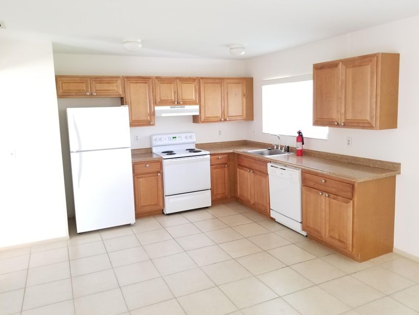 Additional photo for property listing at 651 NW Sharpe Street 651 NW Sharpe Street Port St. Lucie, Florida 34983 United States