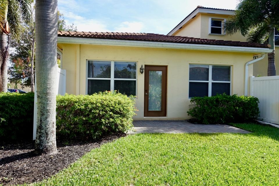 Additional photo for property listing at 4256 SW Pine Cove Court 4256 SW Pine Cove Court Stuart, Florida 34997 United States