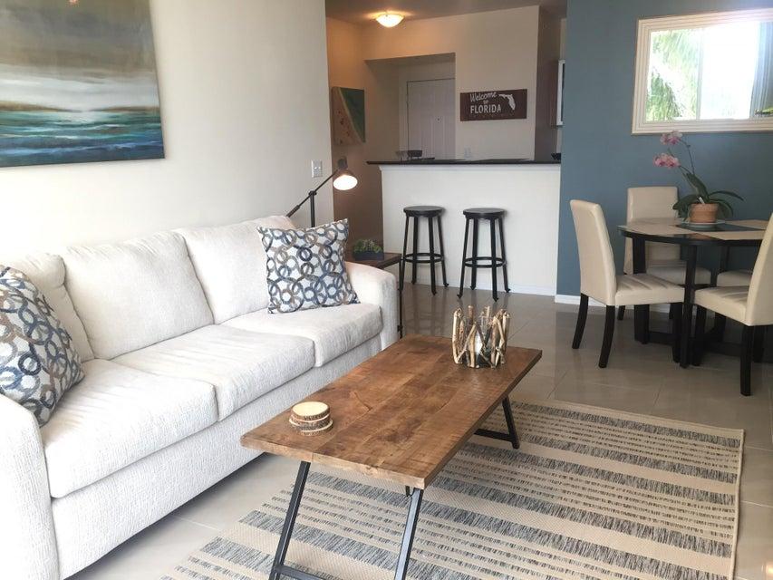 合作社 / 公寓 为 出租 在 100 NE 6th Street 100 NE 6th Street 博因顿海滩, 佛罗里达州 33435 美国