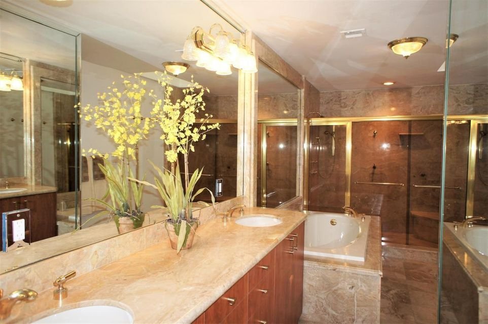 Additional photo for property listing at 6023 Glendale Drive 6023 Glendale Drive Boca Raton, Florida 33433 United States