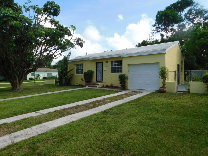 Single Family Home for Sale at 202 NW 92nd Street 202 NW 92nd Street Miami Shores, Florida 33150 United States