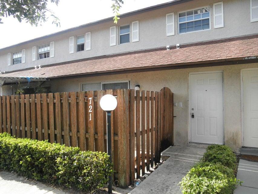 تاون هاوس للـ Rent في 721 Cypress Way E 721 Cypress Way E West Palm Beach, Florida 33406 United States
